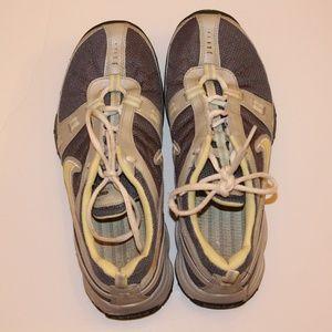 Nike Tennis shoes sz.8